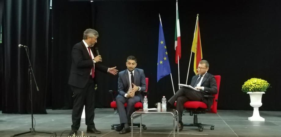 """Il ministro per il Sud a Montedoro: """"Dobbiamo spezzare questo isolamento. Le infrastrutture sono la priorità"""""""