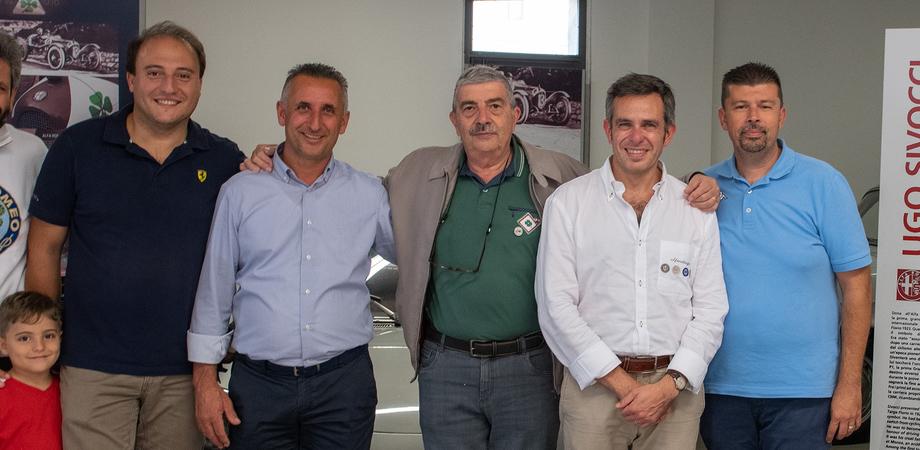 Appassionati dell'Alfa Romeo si ritrovano a Caltanissetta, 53 le auto esposte in corso Umberto