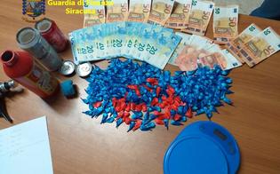 http://www.seguonews.it/in-giro-con-la-porsche-e-327-dosi-di-cocaina-percepiva-anche-il-reddito-di-cittadinanza-arrestato