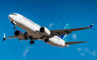 http://www.seguonews.it/momenti-di-paura-in-volo-passeggero-tenta-di-aprire-il-portellone-di-un-boeing-737-dopo-un-quarto-dora-dal-decollo