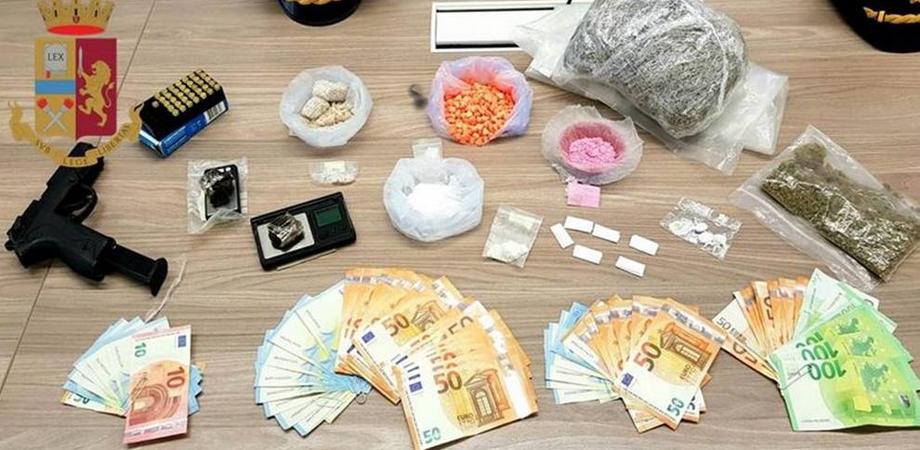 """Sequestrata cocaina rosa """"da spacciare per la Fashion Week"""": una dose 400 euro"""