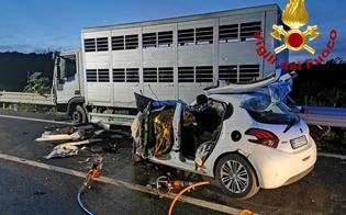 http://www.seguonews.it/terribile-incidente-a-francofonte-morte-tre-persone-nello-scontro-fra-unauto-e-un-tir