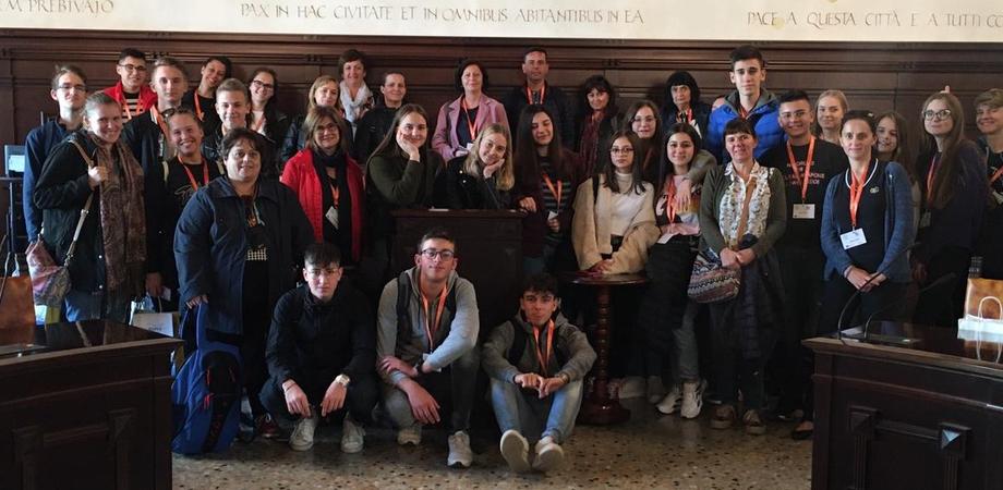 """Erasmus plus, studenti e docenti del """"Mottura"""" di Caltanissetta in Slovenia"""