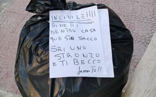 https://www.seguonews.it/gela-sacco-di-rifiuti-lasciato-per-strada-il-presidente-del-consiglio-chiede-lintervento-dei-vigili-urbani-per-risalire-al-responsabile