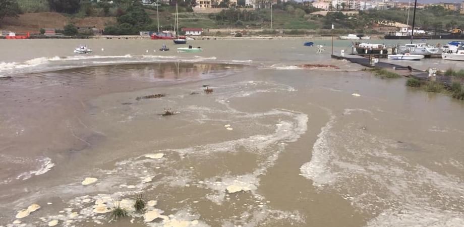 """Porto di Gela insabbiato da anni, l'europarlamentare Corrao: """"C'è un problema di sicurezza"""""""