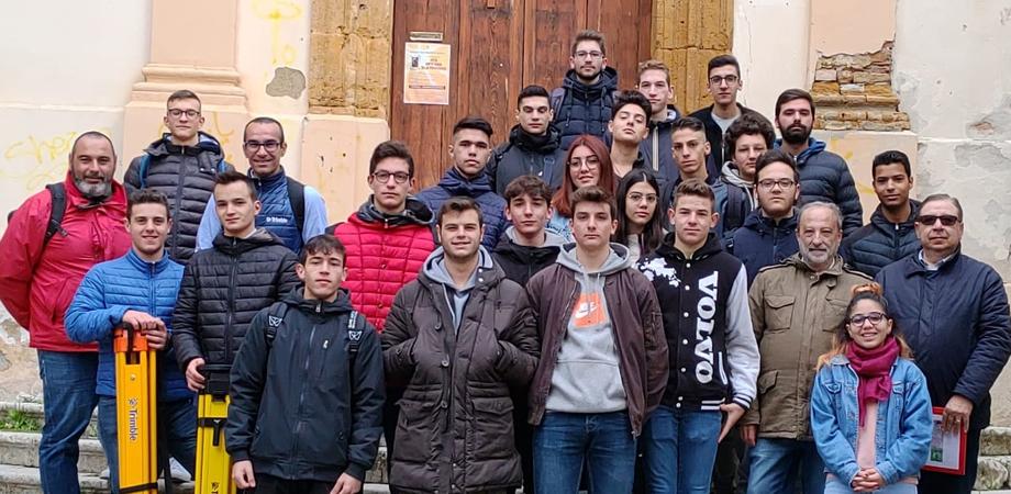 """Caltanissetta, studenti del """"Rapisardi"""" effettuano un rilievo in 3D alla Provvidenza e nel quartiere """"Angeli"""""""