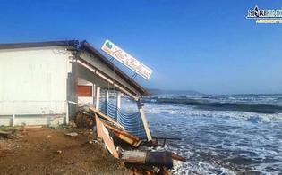 http://www.seguonews.it/il-mare-divora-la-spiaggia-e-distrugge-anche-un-ristorante-disastro-a-eraclea-minoa