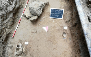 https://www.seguonews.it/nuove-scoperte-archeologiche-a-gela-viene-alla-luce-una-necropoli-arcaica-musumeci-continuero-a-valorizzare-questo-territorio