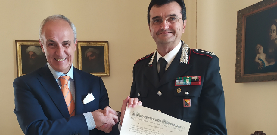 Onorificenza per il tenente colonnello Antonino Restuccia: è Ufficiale dell'Ordine al merito della Repubblica Italiana