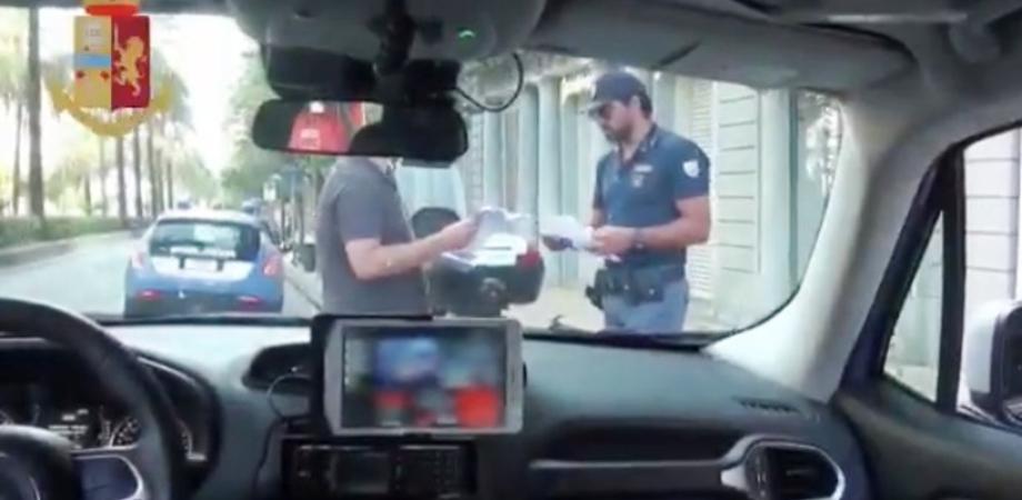 Gela. Sorpreso con l'hashish nascosto sotto la sella dello scooter. Arrestato ventunenne dalla polizia