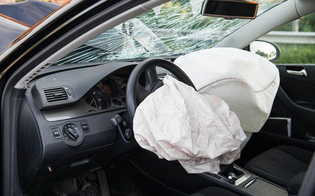 Airbag difettosi: Bmw, Honda e Toyota richiamano 1,4 milioni di auto nel mondo