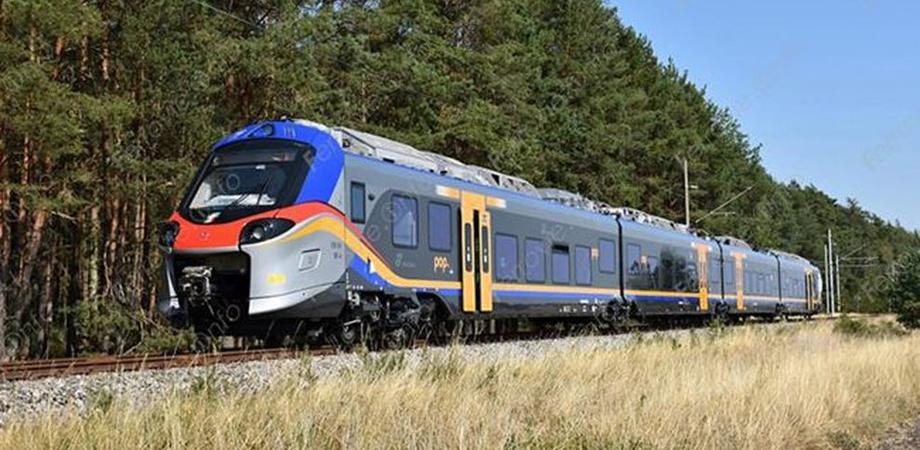 In Sicilia arrivano i treni di ultima generazione: dal 15 dicembre sbarcherà Pop. Viaggerà ad una velocità di 160 K/h