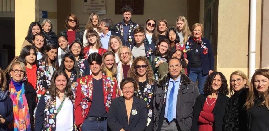 """Caltanissetta, celebrato all'istituto """"Russo"""" il Giorno del Ringraziamento: presenti ragazzi da tutto il mondo"""