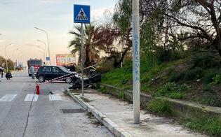 http://www.seguonews.it/terribile-incidente-sul-lungomare-di-gela-scontro-tra-auto-e-moto-centauro-in-gravissime-condizioni