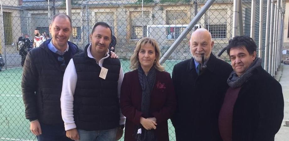 """""""La partita con papà"""", al Malaspina di Caltanissetta calcio a 5 tra detenuti: a tifare c'erano i familiari"""