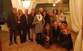 http://www.seguonews.it/caltanissetta-gli-alunni-della-5-a-della-ragioneria-si-rincontrano-dopo-40-anni