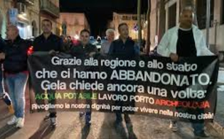 https://www.seguonews.it/fuori-caltaqua-il-comitato-di-gela-avvia-una-petizione-chiesta-moratoria-di-24-mesi-in-attesa-che-lacqua-sia-potabile-