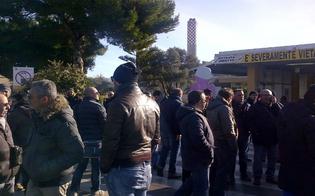 https://www.seguonews.it/gela-licenziati-15-operai-scoppia-la-protesta-dei-lavoratori-dellindotto-chiedono-lavvio-del-progetto-argo-e-cassiopea