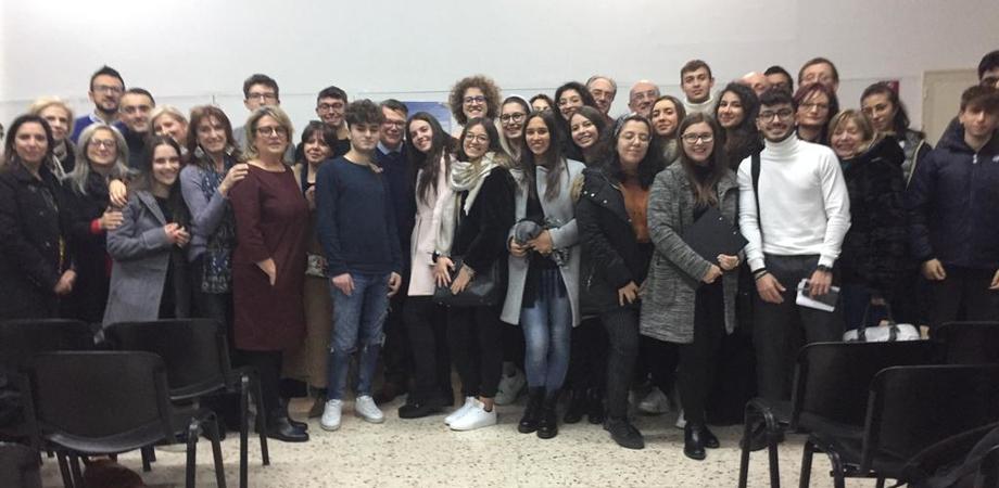 Al Liceo Volta di Caltanissetta gli studenti approfondiscono le tematiche della salute con i medici dell'Asp