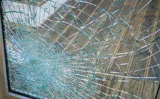 http://www.seguonews.it/caltanissetta-ladri-tentano-furto-in-un-negozio-del-centro-storico-ridotto-in-frantumi-il-vetro-della-porta-dingresso