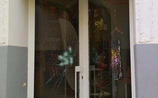 https://www.seguonews.it/caltanissetta-malviventi-tentano-la-spaccata-in-un-negozio-di-abbigliamento-ma-la-vetrina-resiste