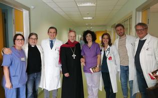 http://www.seguonews.it/festivita-natalizie-il-vescovo-russotto-fa-visita-ai-malati-del-santelia-ognuno-di-loro-e-come-un-gesu-bambino
