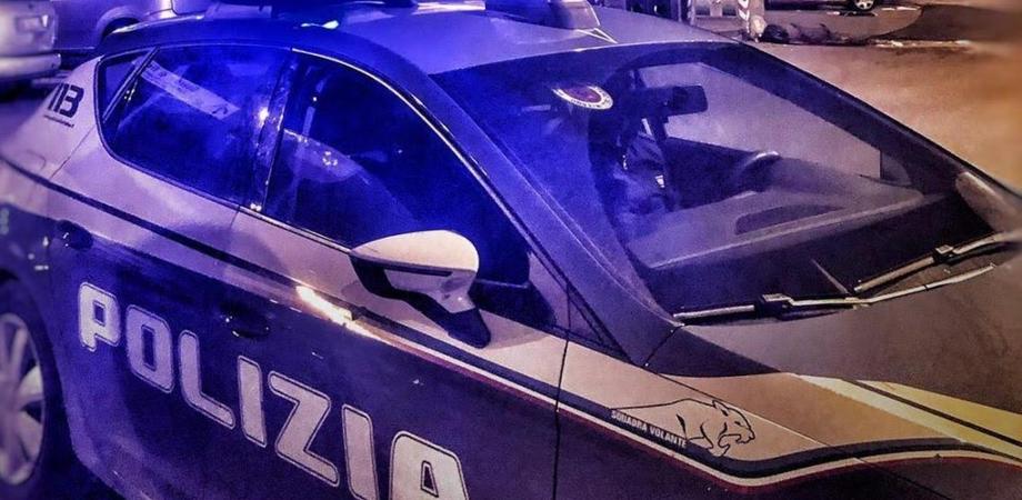 Conflitto a fuoco con la polizia a Napoli: muore un 17enne