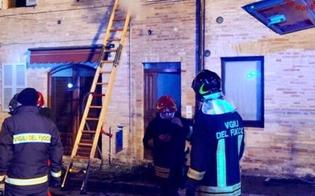http://www.seguonews.it/divampa-incendio-in-una-casa-muore-bimba-di-7-anni-in-salvo-mamma-e-sorellina