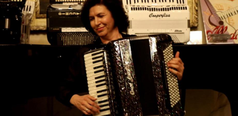 Al teatro Margherita di Caltanissetta la fisarmonicista Eugenia Cherkazova dà vita a un recital che è una