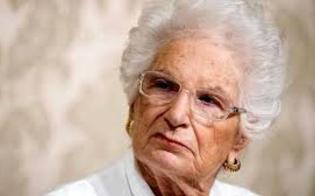 http://www.seguonews.it/comune-siciliano-nega-la-cittadinanza-onoraria-a-liliana-segre-non-avrebbe-meriti-particolari