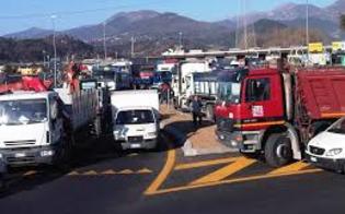 http://www.seguonews.it/caro-navi-scatta-la-protesta-degli-autotrasportatori-annunciato-il-blocco-dei-porti