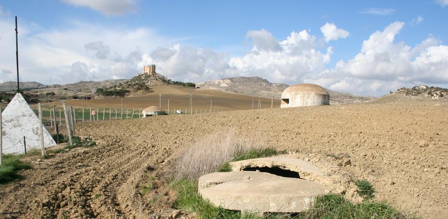 """Il """"Castelluccio"""" di Gela, un monumento abbandonato e dimenticato. Mulè si rivolge al presidente Musumeci"""