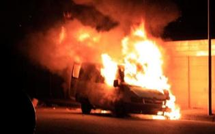 https://www.seguonews.it/riesi-malviventi-danno-alle-fiamme-il-furgone-di-un-imprenditore-agricolo