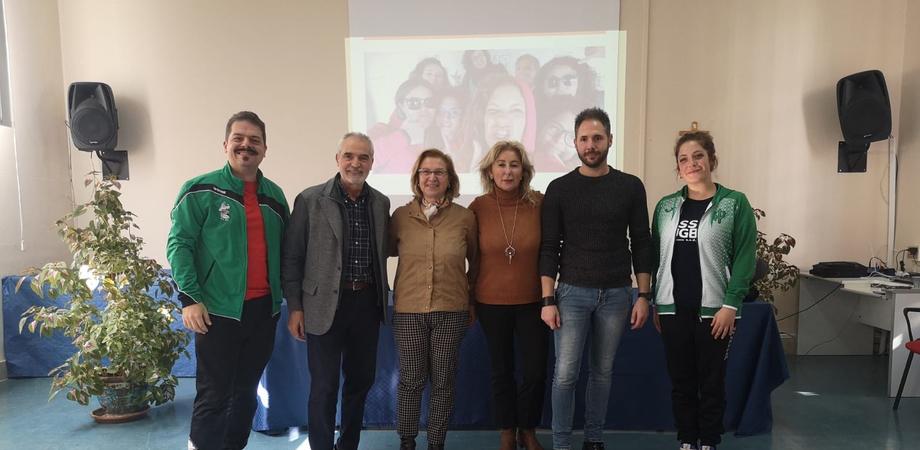 """DLF Nissa Rugby incontra gli studenti dell'Ipsia """"Galilei"""": lezione dedicata al valore dello sport"""