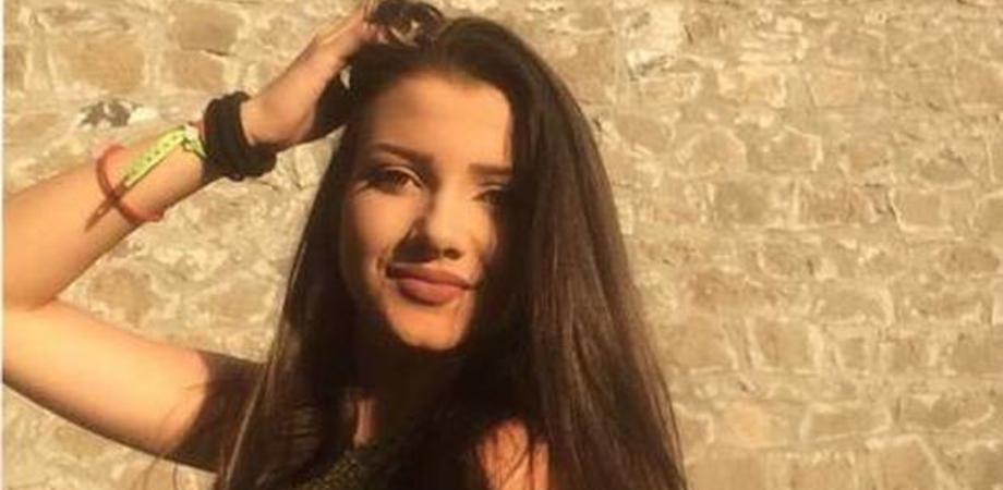 Dimessa dall'ospedale, 17enne trovata morta nel suo letto: dramma nel viterbese