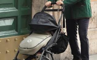 http://www.seguonews.it/donna-abbandona-una-carrozzina-nei-pressi-della-stazione-termini-e-una-25enne-in-fuga-verso-la-germania
