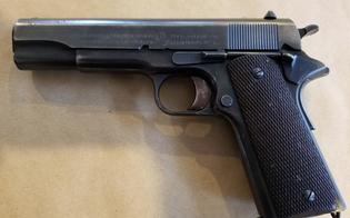 http://www.seguonews.it/sorpreso-con-una-pistola-addosso-durante-una-lite-35enne-nisseno-arrestato-a-palermo