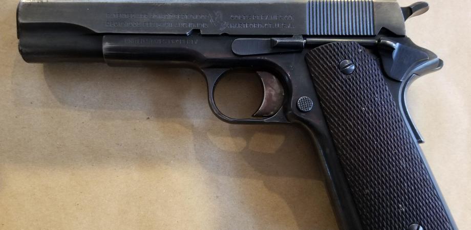 Sorpreso con una pistola addosso durante una lite: 35enne nisseno arrestato a Palermo