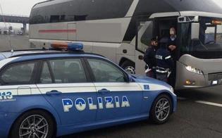 http://www.seguonews.it/caltanissetta-lite-tra-ubriachi-su-un-pullman-di-linea-costringe-lautista-a-fermare-il-mezzo-due-denunciati