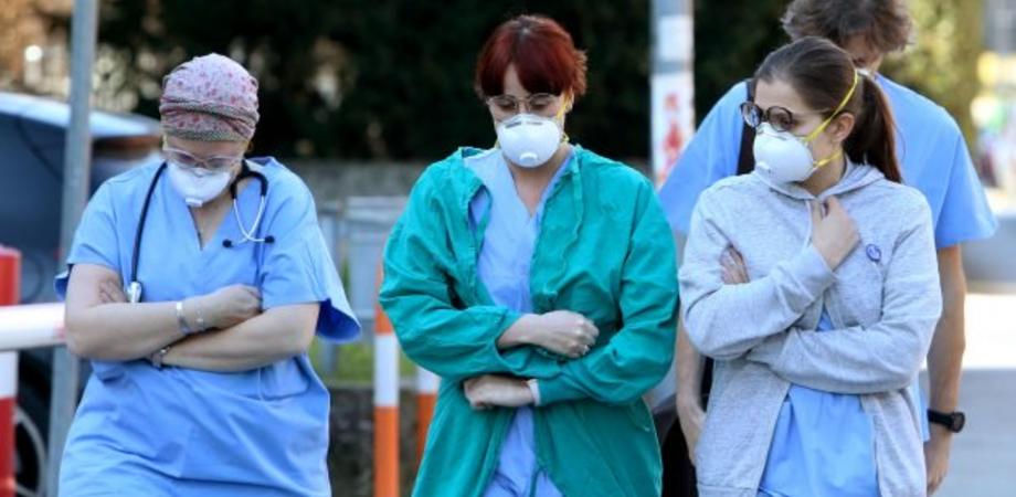 Coronavirus, il bollettino di oggi: in Sicilia lieve diminuzione dei nuovi casi ma risalgono i decessi