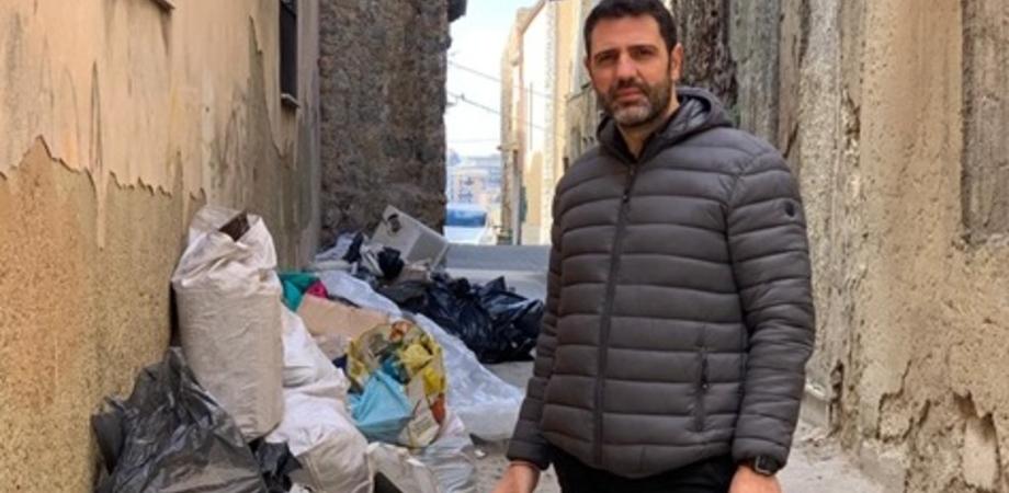 """Caltanissetta, Aiello: """"Alle spalle della chiesa Provvidenza una discarica a cielo aperto. Ma l'amministrazione continua a non curarsene"""""""