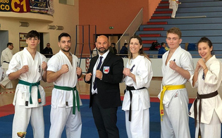 http://www.seguonews.it/al-palamaira-di-san-cataldo-il-torneo-di-karate-kyokushinkai-la-fight-club-di-giovanni-mirasole-fa-incetta-di-coppe