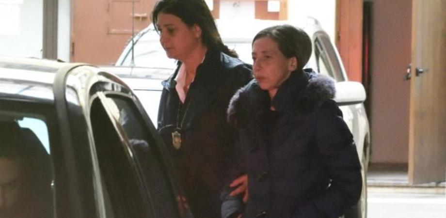Assassinato in casa con 57 coltellate: moglie e figli condannati a 14 anni di reclusione