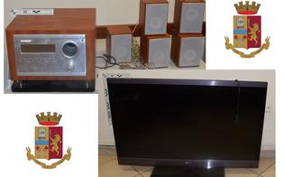 http://www.seguonews.it/caltanissetta-a-spasso-con-un-televisore-e-un-impianto-stereo-rubati-due-denunciati