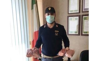 http://www.seguonews.it/gela-la-confesercenti-dona-96-mascherine-al-commissariato-il-questore-grazie-per-il-generoso-gesto