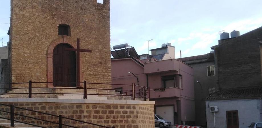 Delia, completati i lavori di sistemazione della scalinata e degli spazi antistanti la chiesa Croce