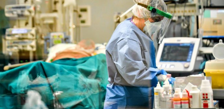 Coronavirus, nuova vittima in Sicilia: muore donna ricoverata da 3 mesi in terapia intensiva