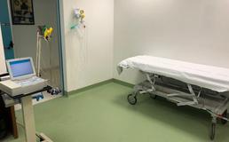 Caltanissetta, nella notte ricoverati tre pazienti con polmonite: uno è grave