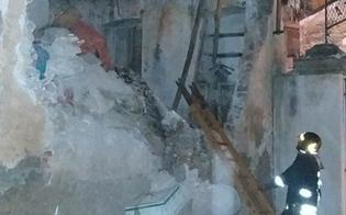 https://www.seguonews.it/caltanissetta-crolla-edificio-in-viale-amedeo-nessun-ferito-sul-posto-vigili-del-fuoco-e-polizia
