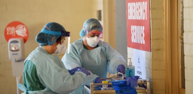 Coronavirus: in Sicilia altri 808 casi, ricoveri vicini al limite per il passaggio in zona gialla